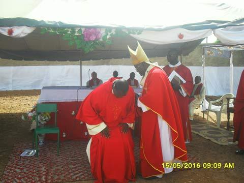 Archi- diocèse de Bobo- Dioulasso: Evariste Sanon installé curé dans la paroisse Saint Jean Paul II