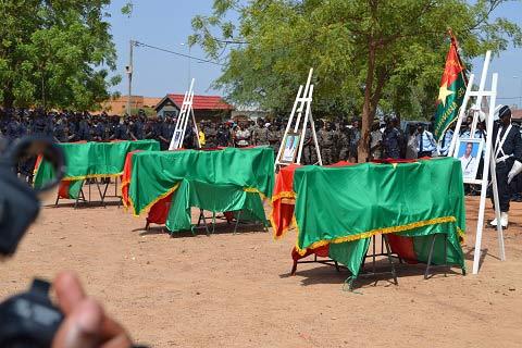 L'Adieu  de la nation  à ses trois policiers  tombés à Intangom dans le Sahel