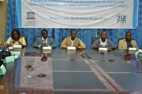 Télédétection des eaux souterraines: 2iE et l'UNESCO ont formé des représentants des pays du sahel
