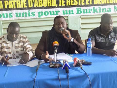 «Zida doit revenir de gré ou de force s'expliquer sur les malversations dont il est accusé», dixit Abraham Badolo, président de l'Alliance pour la défense de la patrie