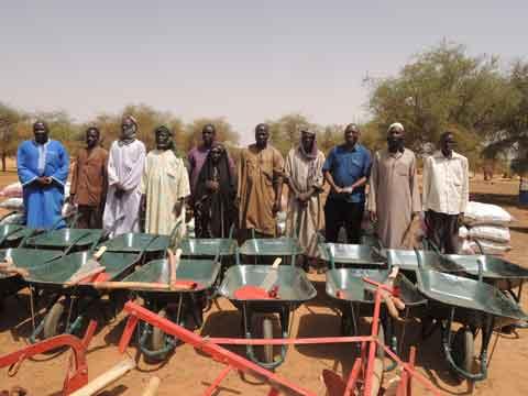 Agriculture familiale: La mine d'or d'Essakane équipe des producteurs de Falagountou