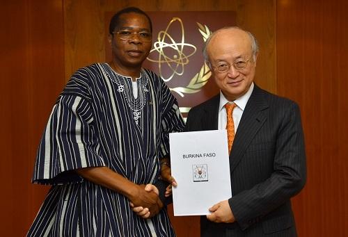 Coopération multilatérale: L'Ambassadeur KERE chez le Directeur Général de l'Agence Internationale de l'Energie Atomique