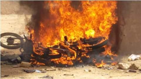 Cinq blessés et deux motos incendiées dans des affrontements entre koglweogo et des populations du quartier Zongo de Ouagadougou