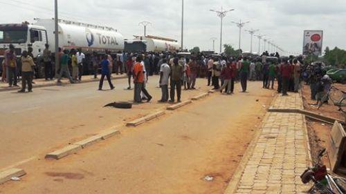 Des manifestants exigent la libération des Koglweogo arrêtés dans le quartier Zongo de Ouagadougou