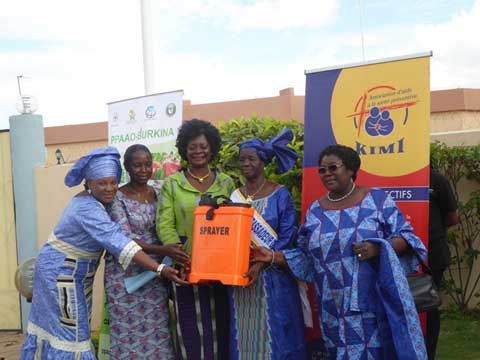 Le prix de la meilleure plateforme d'innovation du PPAAO présenté à la première dame