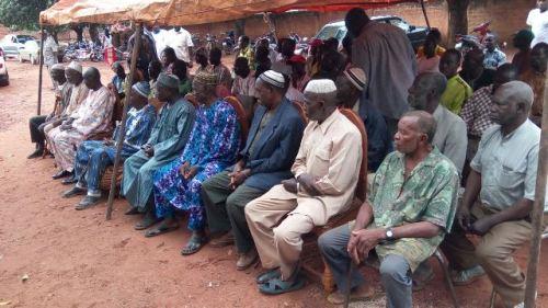 Conflit mouvement sunnite-communauté siamou de Orodara: Le gouverneur des Hauts Bassins rencontre les protagonistes.