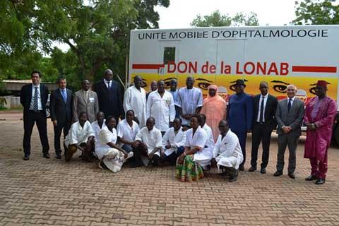 Santé oculaire: La LONAB offre une unité mobile d'ophtalmologie au ministère de la santé