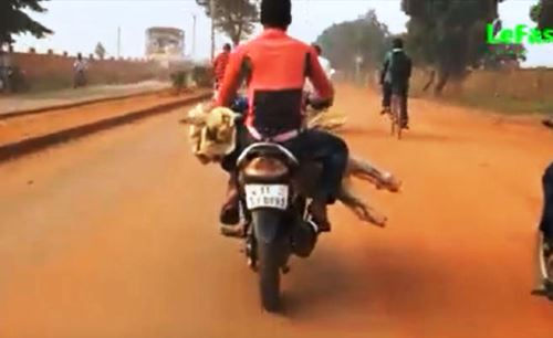 Transport de la viande à Ouagadougou