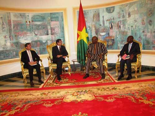 Coopération: En fin de mission, l'ambassadeur de France au Burkina, Gilles Thibaut a été reçu par le Président