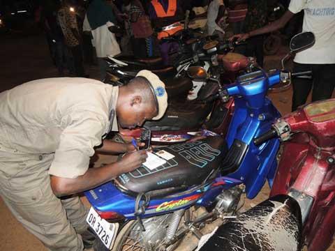 Lutte contre l'insécurité: Face aux sans-papiers, la police nationale continue de bander ses muscles