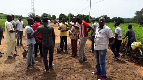 Gon-Boussougou: Les jeunes s'attaquent à la RN29