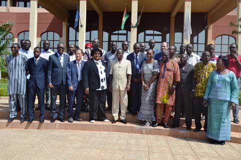 Prévention de la transmission mère-enfant du VIH: Plan international Burkina lance un projet de renforcement des capacités des partenaires
