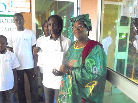 Education: La Fondation Adama Abdoulaye Touré octroie des bourses aux élèves méritants