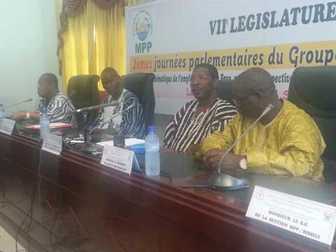 Problématique de l'emploi de la jeunesse: Les recommandations du groupe parlementaire MPP