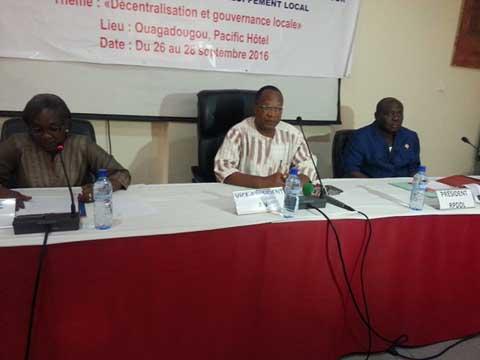 Gouvernance locale: Le Réseau des parlementaires pour la décentralisation et le développement local forme ses membres