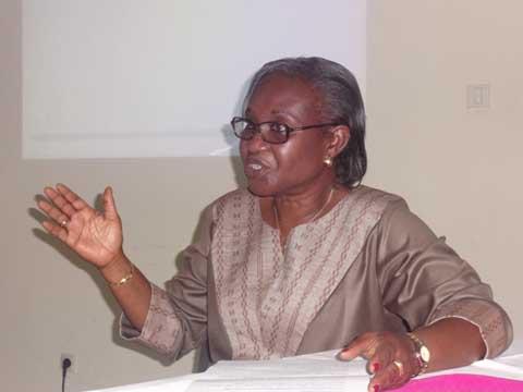 Enjeux et technique de communication: Le NDI renforce les connaissances de 14 femmes parlementaires burkinabè