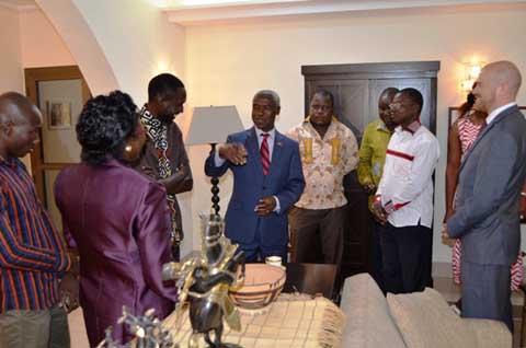 Dr Tulinabo Mushingi: Un après-midi avec un diplomate sans façon