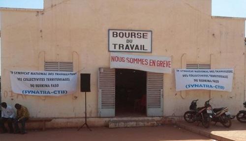 Bobo-Dioulasso: Le syndicat national des travailleurs des collectivités territoriales du Burkina (SYNATRA-CTB) réclame de meilleures conditions de vie