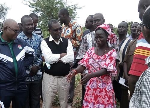 Campagne agricole 2016-2017 à l'Est: Le gouverneur a rendu visite à des producteurs