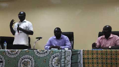 ''Ce n'est pas en adoptant une nouvelle Constitution que le Burkina va changer, mais quand nous changerons», Pr Augustin Loada, constitutionnaliste