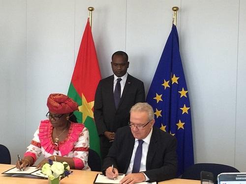 L'Union européenne va soutenir la politique de santé du Burkina Faso jusqu'en 2020 à travers un appui de 55 milliards de FCFA