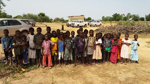 Education: L'ombre d'un manguier comme école à Labretenga