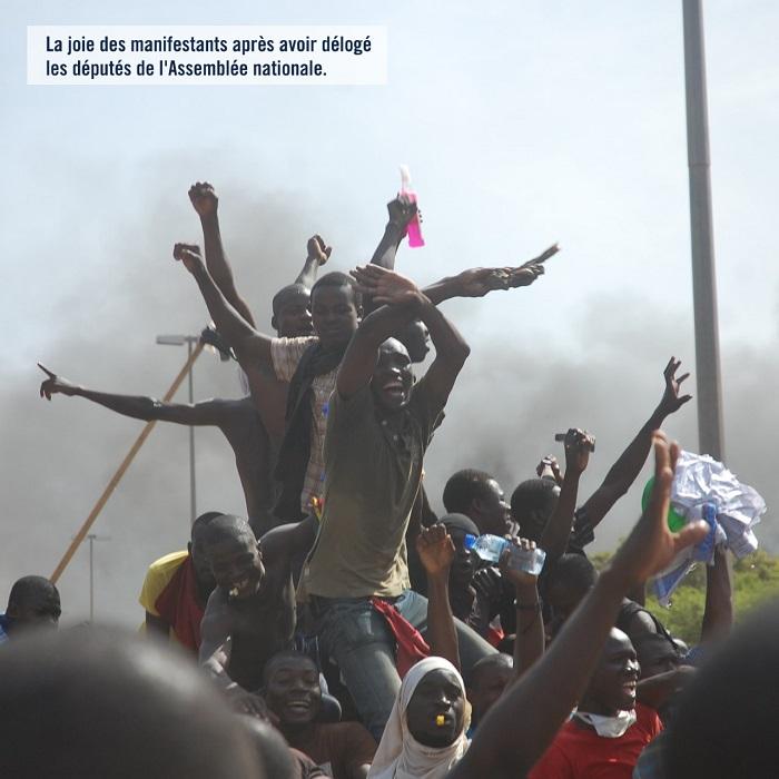 Insurrection d'octobre 2014: La joie des manifestants après avoir délogé les députés de l'Assemblée Nationale