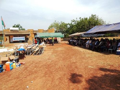 Réduction du travail des enfants: R-CLES remet des kits d'installation  à des enfants dans la Boucle du Mouhoun