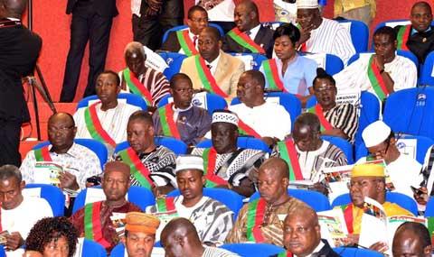 Questions orales: L'Assemblée nationale ne veut plus que les ministres se fassent représenter par leurs collègues