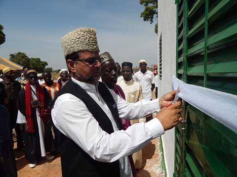 La Communauté islamique ahmadiyya inaugure une mosquée à Boromo