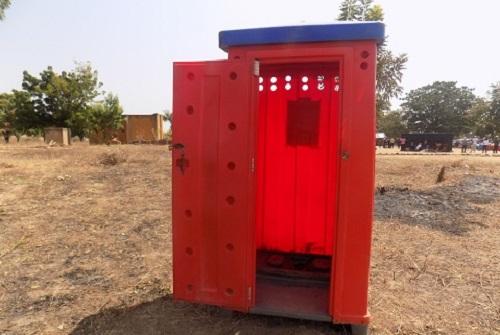 Journée mondiale des toilettes: Les communautés appelées à construire elles-mêmes leurs latrines