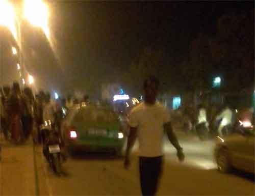 Fait divers: Un taxi percute gravement deux adolescents sur une moto à Ouagadougou