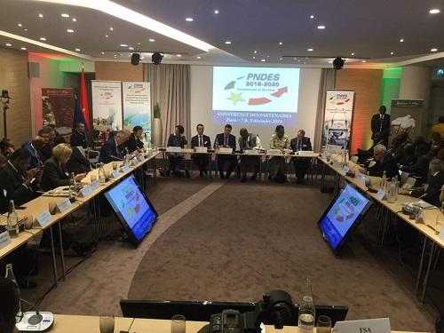 PNDES: Plus de 8000 milliards de francs CFA mobilisés au premier jour à Paris