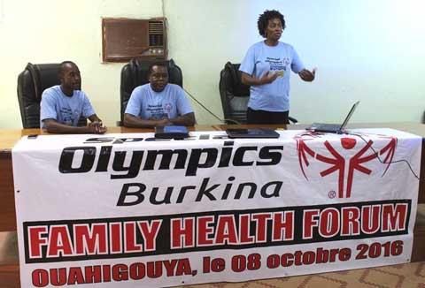 Prise en charge sportive des personnes vivant avec une déficience intellectuelle: Special Olympics Burkina sensibilise les élèves-maîtres
