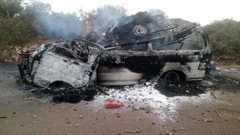 Un véhicule prend feu à l'entrée de Fada