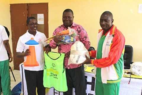 Prise en charge sportive des personnes vivant avec une déficience intellectuelle: Special Olympics Burkina sensibilise les élèves-maîtres de Gaoua