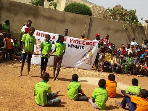 Secteur 42 de Ouagadougou: Mwangaza Action a organisé un arbre de Noel pour les enfants