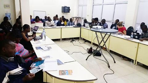 Genre et gestion de l'eau dans le bassin de la Volta: Une cartographie disponible pour le pays des hommes intègres