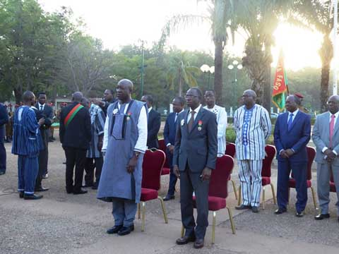 Burkina: Le Premier ministre Thiéba a reçu sa première distinction
