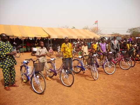 Education: Une trentaine de lauréats à la journée de l'excellence au Yatenga