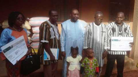 Bobo-Dioulasso: La fondation GECER fait don de vivres aux centres d'accueil des enfants en détresse