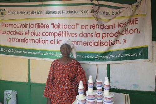 Alimata Sané, lauréate du premier prix  catégorie lait à la JAAL 2016