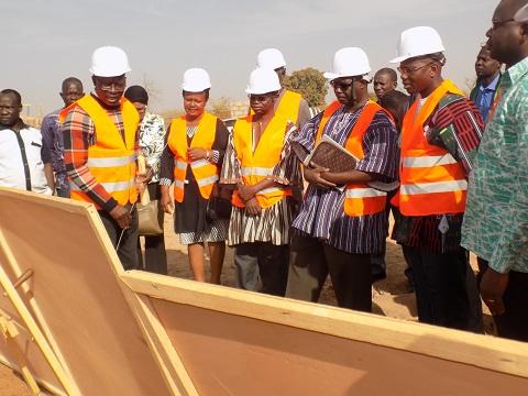 Université Ouaga II: Les travaux du restaurant universitaire et du centre de santé seront achevés à la date indiquée