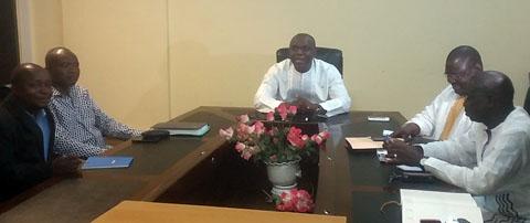 Factures impayées de l'Etat à la presse privée: Le ministre Dandjinou à la recherche d'un remède