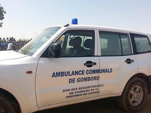 Gomboro: Les ressortissants résidant en Côte d'Ivoire offrent une ambulance à la commune