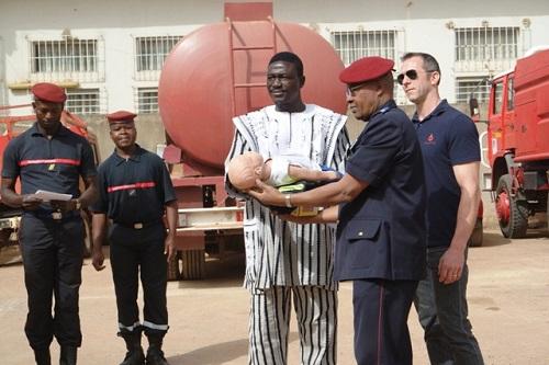 Coopération décentralisée: Une association française offre du matériel de sauvetage à la Brigade de sapeurs-pompiers