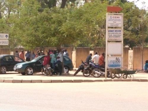 Ministère de l'économie: Des agents observent un sit-in d'une semaine
