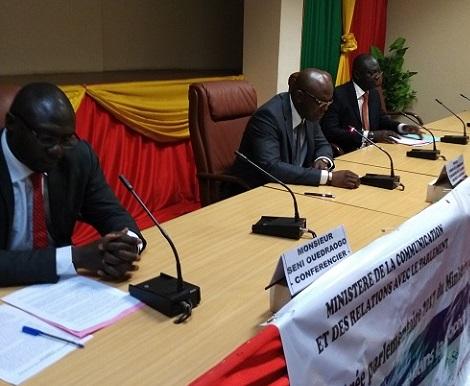 Procédure parlementaire: Une conférence pour expliquer le rôle du gouvernement