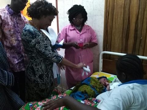 Organisation Internationale  de la Francophonie: Michaelle Jean visite le site pilote de  l'application ICIVIL à la maternité Schiphra