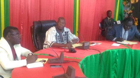 «Si on va reprendre les élections et se retrouver dans la même situation, vaut mieux ne pas le faire», prévient le ministre de l'administration territoriale, Siméon Sawadogo